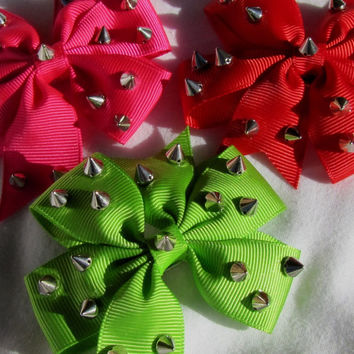 Spiked Grosgrain Ribbon Bow Hair Clip (Variety Of Colors)