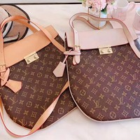 Louis vuitton casual lady printed monochromatic hand bag