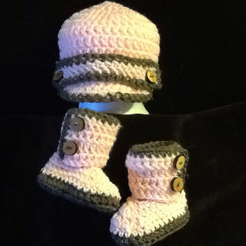 Baby boots & beanie combo - made to order - newborn to 1 year old