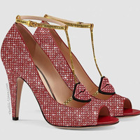 Patent leather pump (red)