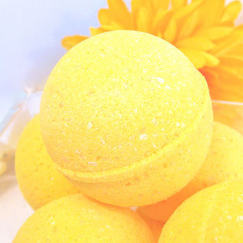 Bath Bomb - Lemon Zest - Vegan Moisturizing Bath Bomb