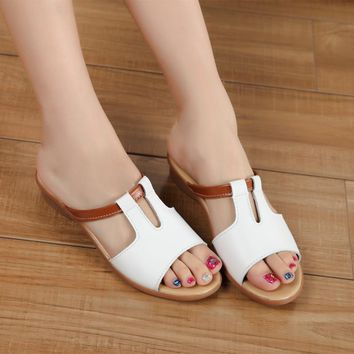 2016 Fashion Women Shoes Genuine Leather Slippers Female Flat Sandals Casual Slip-Resi
