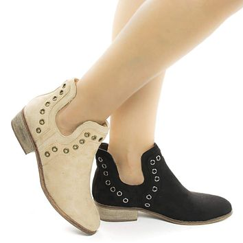 Mojave03 By Wild Diva, Women's Western Pull On Ankle Booties w Side Slit & Metal Detail