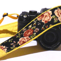 Roses Camera Strap. DSLR Camera Strap. Padded Camera Strap. Gift for Her. Gift Idea. Etsy Gifts. Photo Camera Accessories