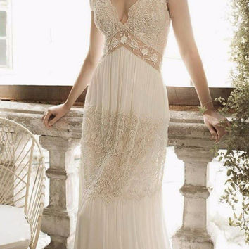 Beach 2017 Bohemian Style Dresses Sleeveless V-Neck Count Train Floor Length Backless Lace Wedding Dress