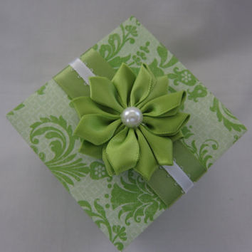 Wedding favor gift box - Wedding place card holder - gift box - handmade - paper - wedding - green - white