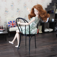 1/6 scale Miniature Bentwood Chair for dolls(Blythe, Barbie, Bratz, Pullip, Obitsu, Momoko). Café-style