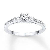 Three-Stone Ring 1/6 ct tw Diamonds 10K White Gold