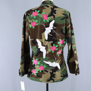 Vintage US Army Embroidered Camo Jacket / Flying Asian Cranes Birds Peony Floral Embroidery