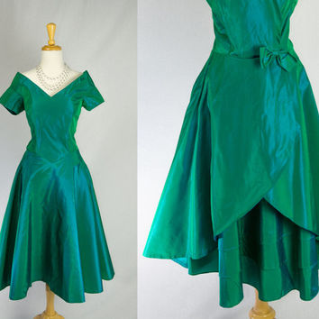 Vintage 1960's Emerald Taffeta Cocktail Circle Dress Stunning Back!