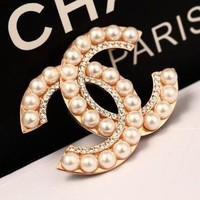 8DESS Chanel Women Pearl Diamonds Brooch Jewelry