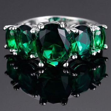 Stunning 5.80 ct Emerald Ring