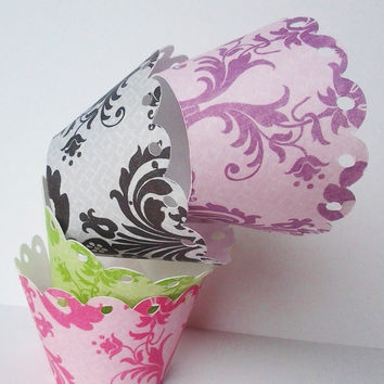 Damask cupcake wrapper,damask cupcake liner,damask decor,elegant wedding decor,black and white decor,muffin wrappers,beautiful wrappers