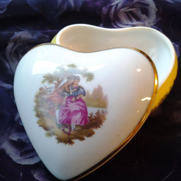 Vintage China Limoges Heart Shaped Box Courting Couple Trinket Box Pill box Jewelry Box France, Gold Trim, Veritable Porcelaine D'Art
