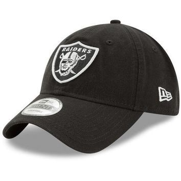 New Era Oakland Raiders Black Core Classic Twill 9TWENTY Adjustable Hat - NFL
