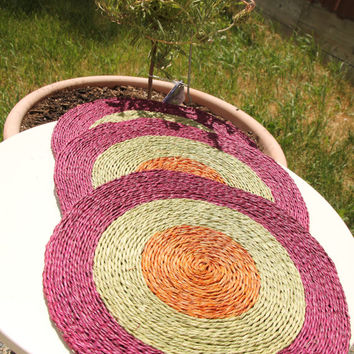 11 inch Round natural placemat, table heat protector, natural organic material, grass,