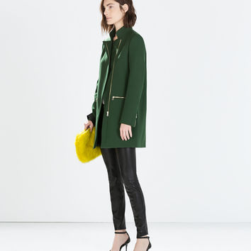 Zip buckle coat