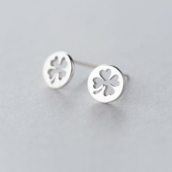 Four-leaf clover shaped hollow-out earrings + Gift box ALQ1026E