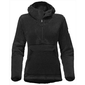 The North Face Women's Campshire Pullover Hoodie