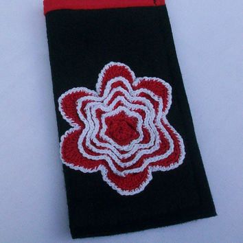 Glasses Case Pouch Black with Red and White Crochet Flower, Sunglasses Carrier