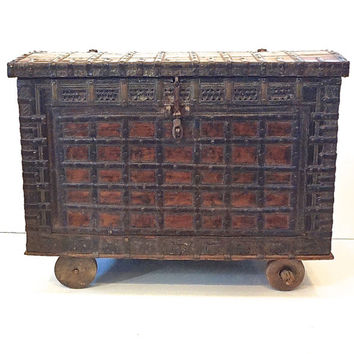Rajasthani Dowry Chest on Wheels // India
