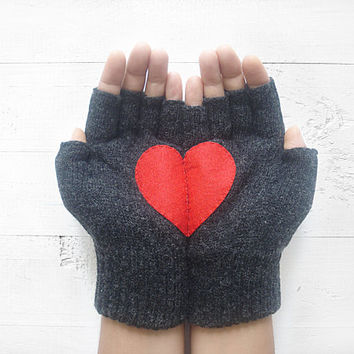 VALENTINE'S DAY Gift, Heart Gloves, Dark Gray Gloves, Grey, Red Heart, Special Gift, Valentine's Gift, Women Gift, Unisex, Romantic Gift