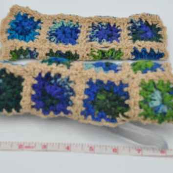Popular granny squares arm warmers, fingerless mitts, crochet thin gloves for busy women