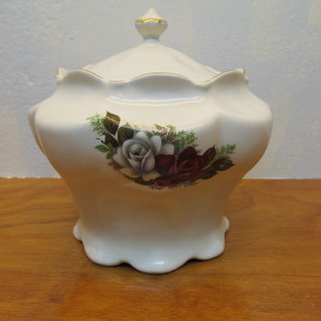 VINTAGE HOUSE OF WEBSTER CERAMICS BISCUIT OR COOKIE JAR