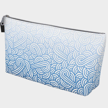 Gradient blue and white swirls doodles Makeup Bag Makeup Bag