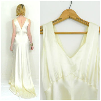 40s 50s vintage wedding / Train dress / Vintage gown / White silk/ Low back / Boho bohemian wedding dress slip size small/extra small