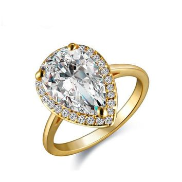 Prong Setting Gold Pear Shaped Cubic Zircon Woman Engagement Rings Princess CZ Rings Zircon Finger Rings