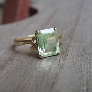 Art Deco Green Spinel 10k Ring pale light green peridot August square emerald yellow gold