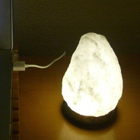 Himalayan Salt Lamp - White USB - 4 inch