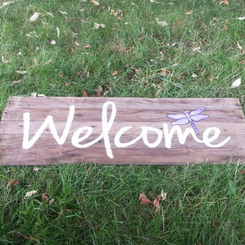 Barn Wood, White Welcome sign, Purple Dragonfly, Summer time, Rustic wood, primitive, home decor, pallet wood, reclaimed, Upcycled,
