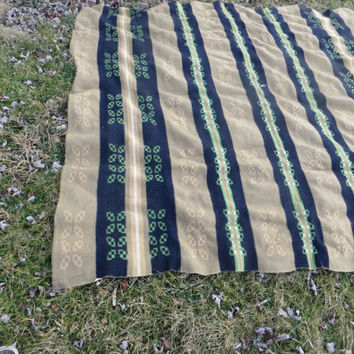 retro 30s-1940  vintage   heavy wool  camp blanket, unknown maker.good condition