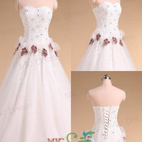 Sweetheart sleeveless floor-length A-line tulle and lace with flowers wedding dress