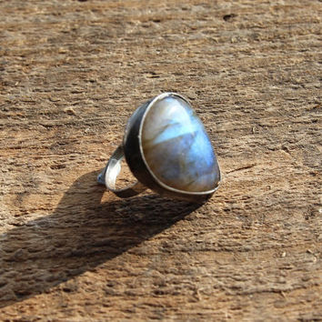 Labradorite stone ring Big large, blue green yellow shiny, statement ring, Engagement ring, coctail ring, adjustable ring