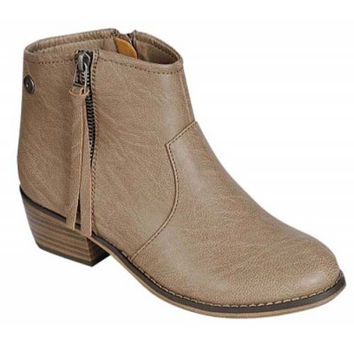 """""""Dorado"""" Leather Zip Up Ankle Booties - Putty"""