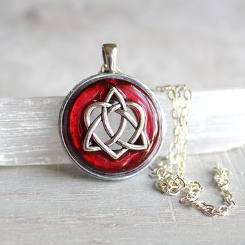 Celtic heart necklace - available in additional colors