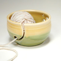 Pottery yarn bowl,Ceramic knitting bowl,Knitting supply tool,clay bowl for yarn,gift for knitters,Craft tool for yarn,Crocheting bowl,