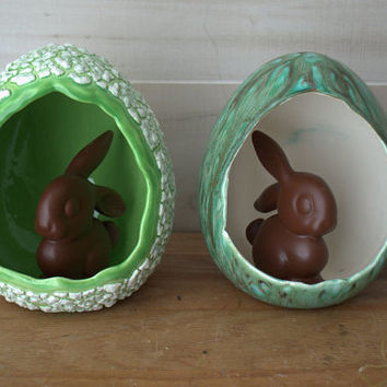 Vintage Ceramic Easter Egg Decoration, 1970s Easter Decor, Ceramic Egg Diorama