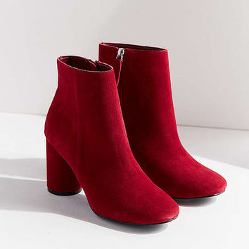 Sabrina Round Heel Ankle Boot | Urban Outfitters