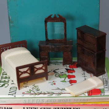 Renwal Dollhouse Bedroom Furniture Bed Highboy Vanity Vintage 1/12 Scale