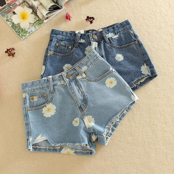 Korean new summer 2016 women significantly thin daisies rotten curling denim shorts jeans female