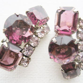 Vintage Purple Rhinestone Clip Earrings - Vintage Jewelry - Purple Jewelry - Rhinestone Jewelry