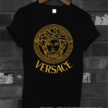 versace shirt versace gold logo t-shirt printed black and white unisex size (DL-31)