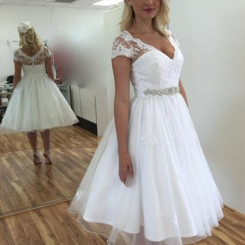 Elegant Sexy Tea Length Lace Organza Cap Sleeve A Line Short Wedding Dresses Beach Bridal Gowns  Robe De Mariee Brautkleider