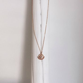 Upper Class Dainty Gold Pendant Necklace