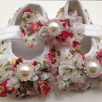 Baby rosette/ bow shoes, newborn pearl shoes