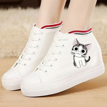 White Round Toe Flat Cat Print Casual Shoes